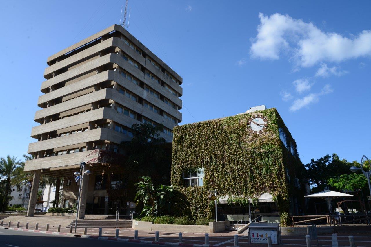 בניין עיריית חולון. צילום-אלי נאמן (1)