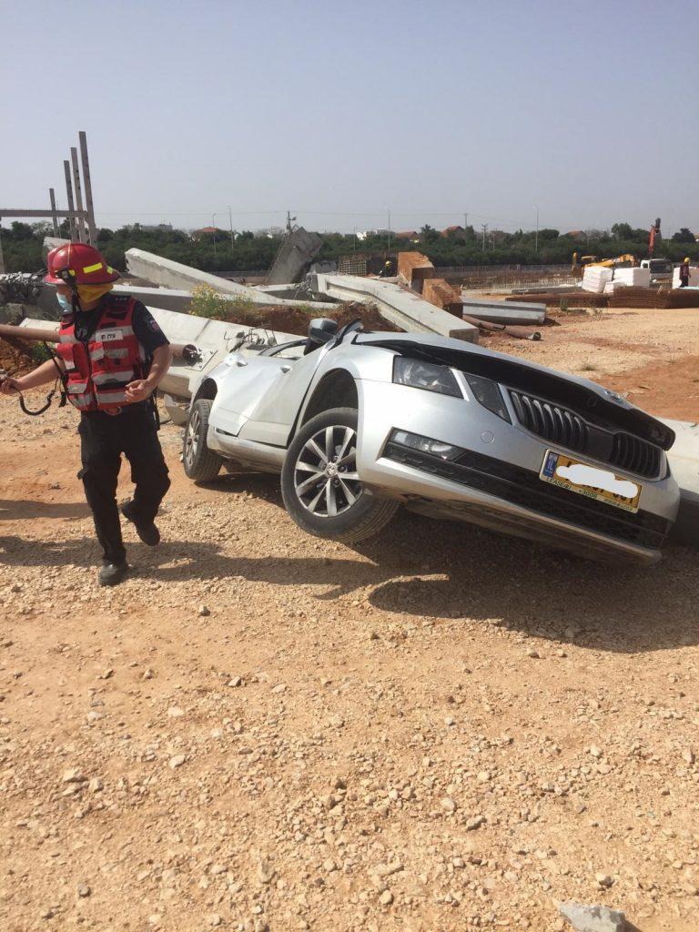 מכונית באתר 2