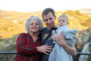 רות מור (מוריץ) בנה אסף והנכד שקד. אלבום משפחתי