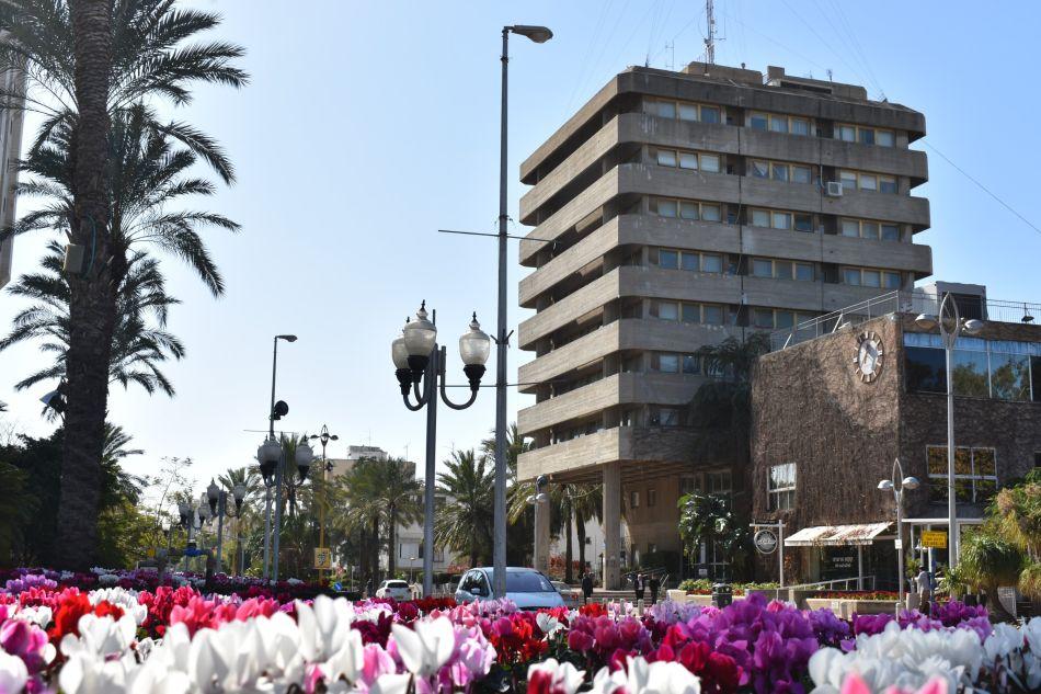 בניין עיריית חולון. צילום-יעל מש (2)