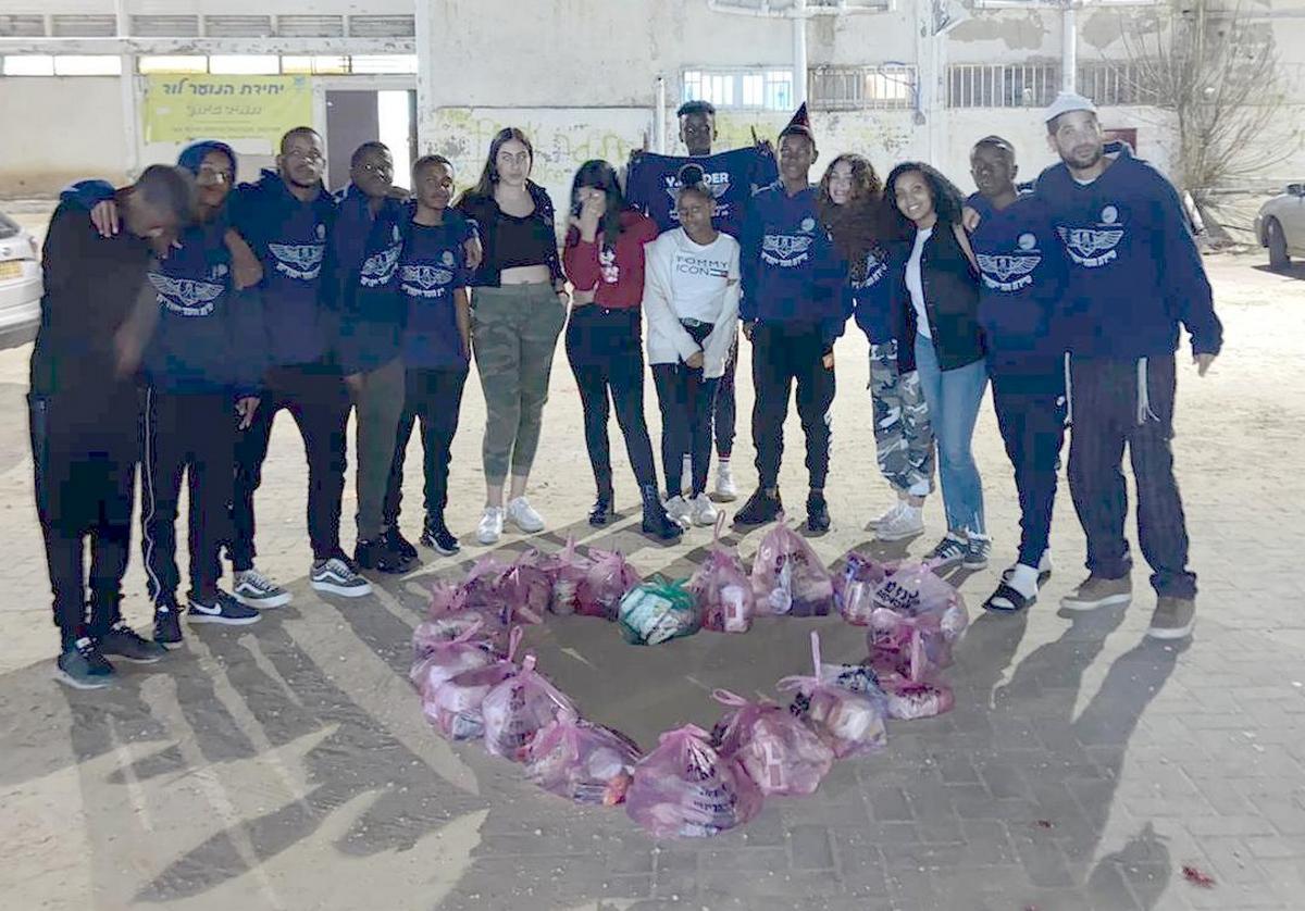 סיירת חסד ייחודית לוד בפתח יחידת הנוער העירונית