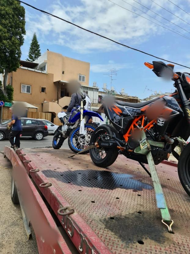 האופנועים שנתפסו. צילום: דוברות המשטרה