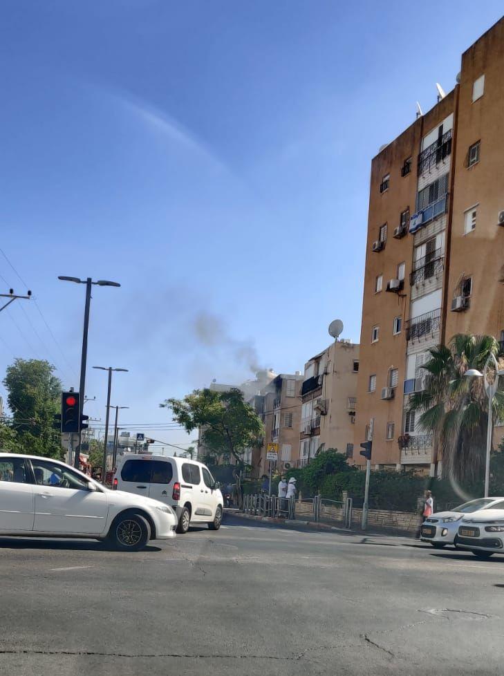 שריפה אש צילום כבאות והצלה לישראל תחנה אזורית חולון בת ים