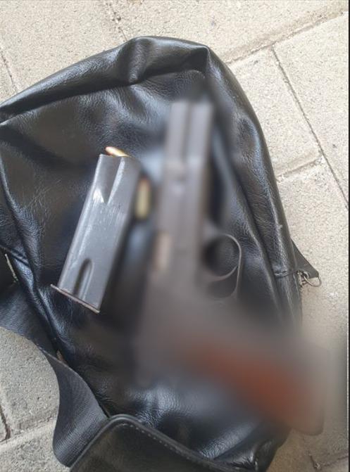 אקדח נשק צילום דוברות משטרת ישראל