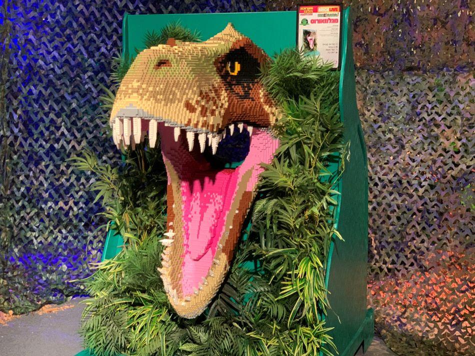 תערוכת הלגו ממלכת הדינוזאורים בהיכל טוטו חולון, צילומים באדיבות תערוכת הלגו ממלכת הדינוזאורים (1)