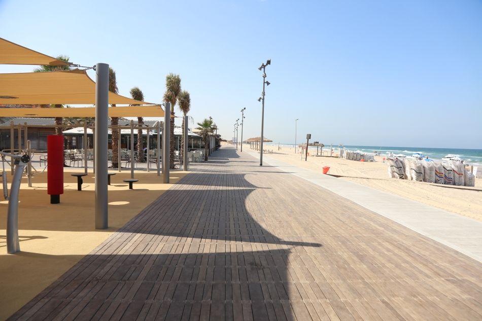 הטיילת המתחברת מחוף תאיו לראשלצ חוף ים צילום דוברות עיריית בת ים