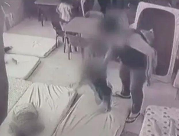 התעללות בגן בחולון צילום מצלמות האבטחה
