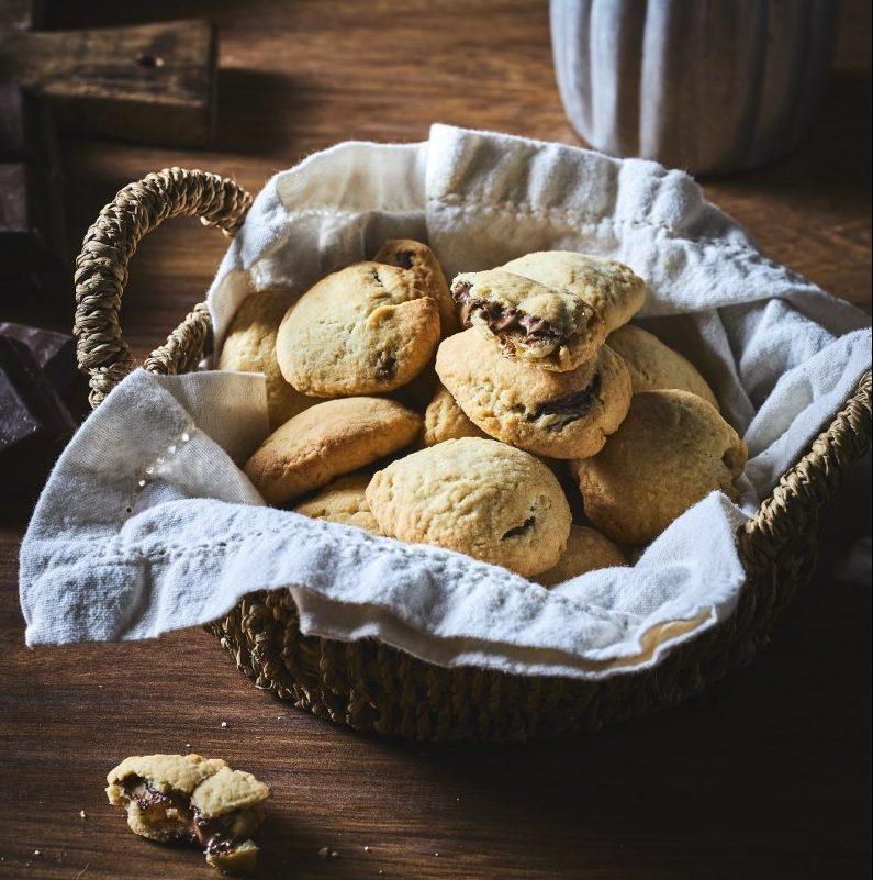 עוגיות_ממולאות_בממרח_אגוזי_לוז