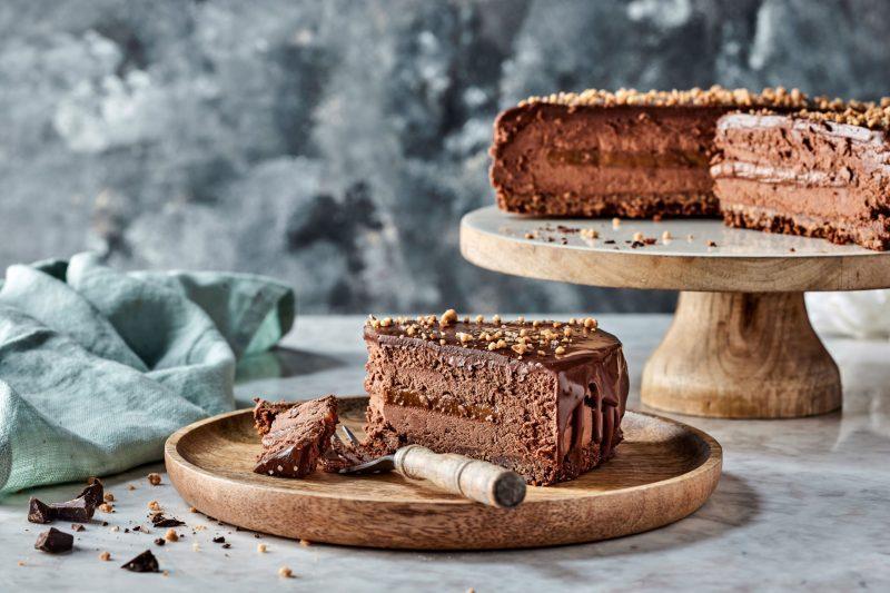 עוגת מוס שוקולד עם אגוזי לוז