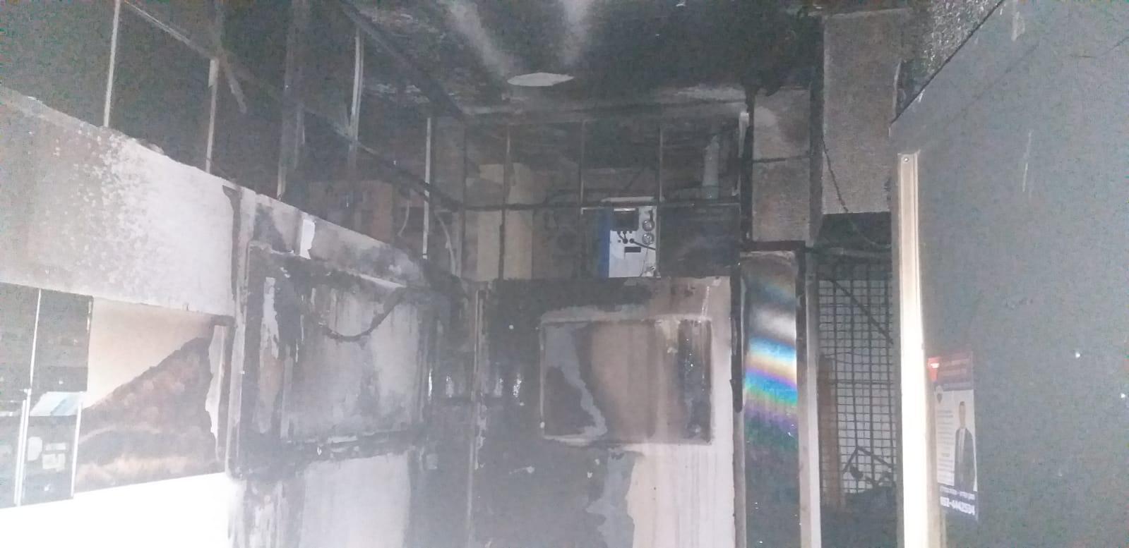 שריפה בבניין צילום דוברות כבאות והצלה