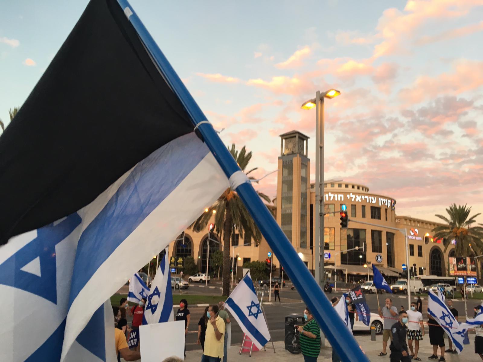 דגל מחאה הפגנה צילום אורן נגבי