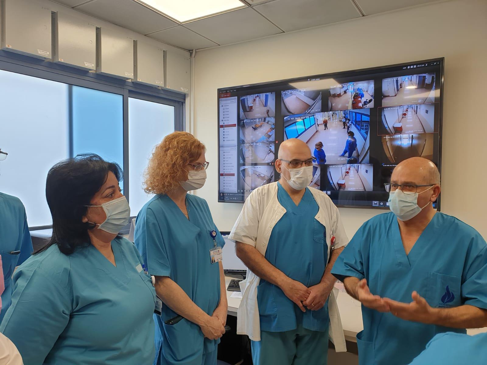 חזי לוי ענת אנגל רופאים צילום המרכז הרפואי וולפסון
