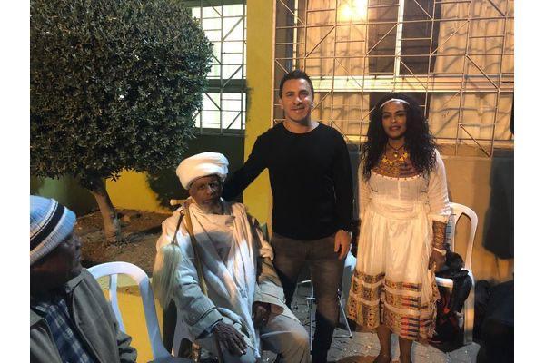 """ביטון עם הקייס ברקו טגניה במהלך החגיגות בשנה שעברה. צילום יח""""צ חוויות"""