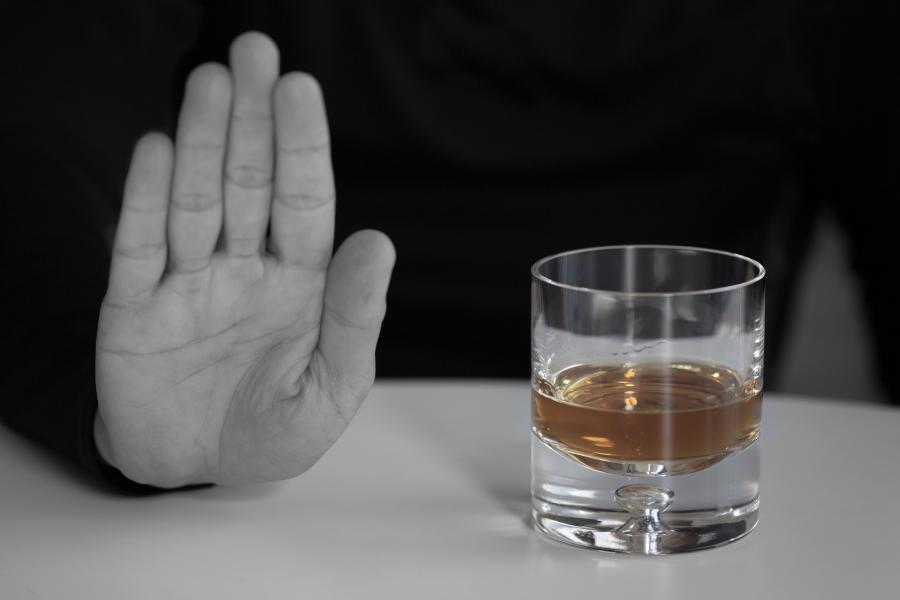 ליעד מרום canva גמילה מאלכוהול (2)