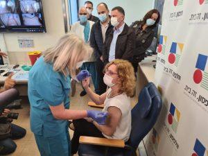 ענת אנגל חיסון קורונה צילום דוברות וולפסון