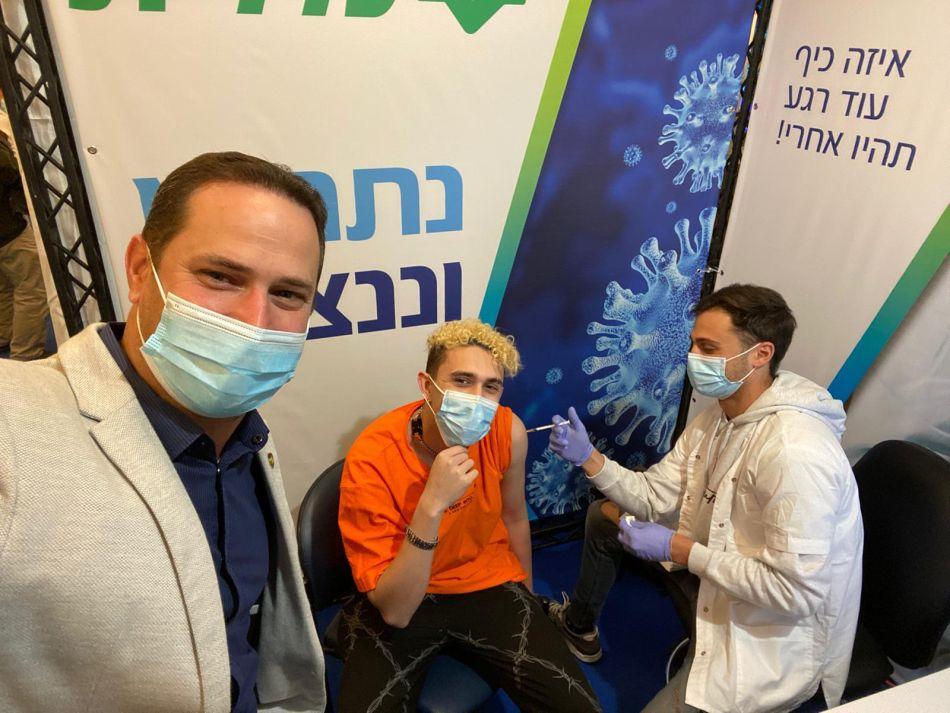 רז קינסטליך חיסון קורונה צילום דוברות עיריית ראשון לציון