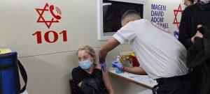 חיסוני קורונה בקרוואן החיסונים של מדא בבת ים – צילום דוברות מדא 15.2.21 (2)