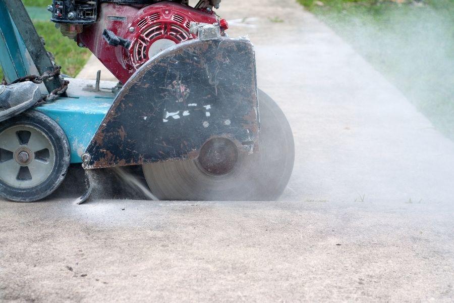 ליעד מרום canva ניסור בטון