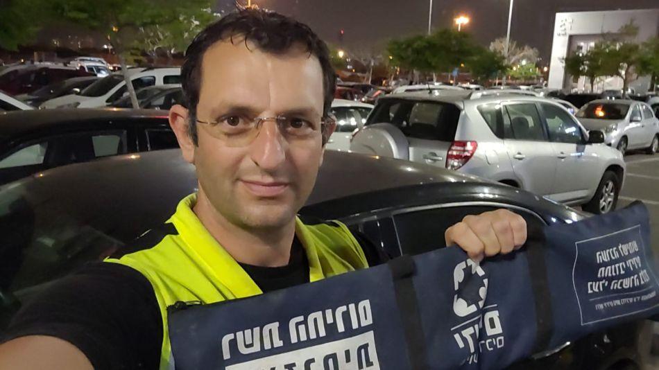 המחלץ גלעד כהן- צילום ידידים סיוע בדרכים