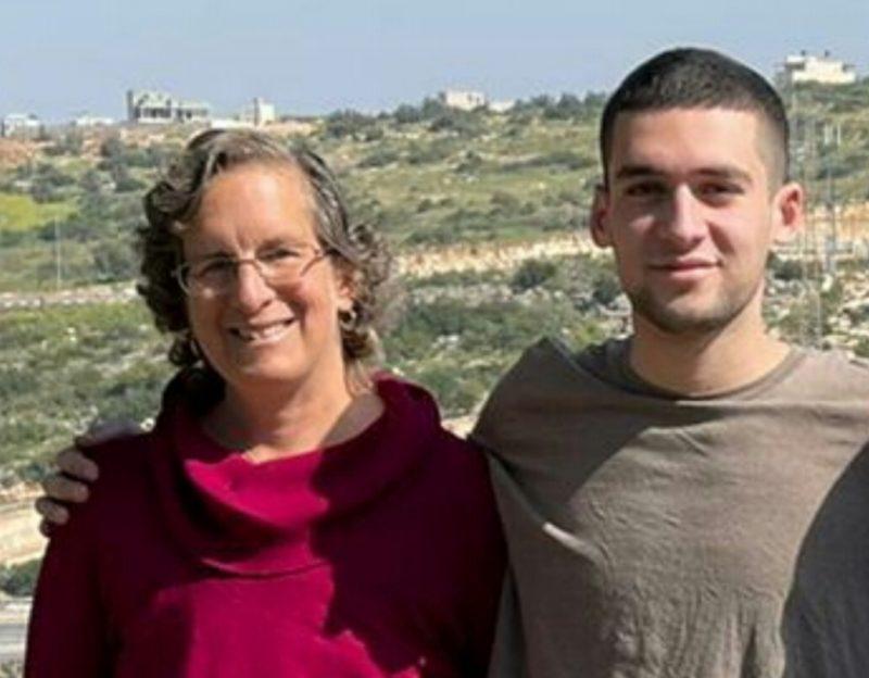 שרונה ובנה