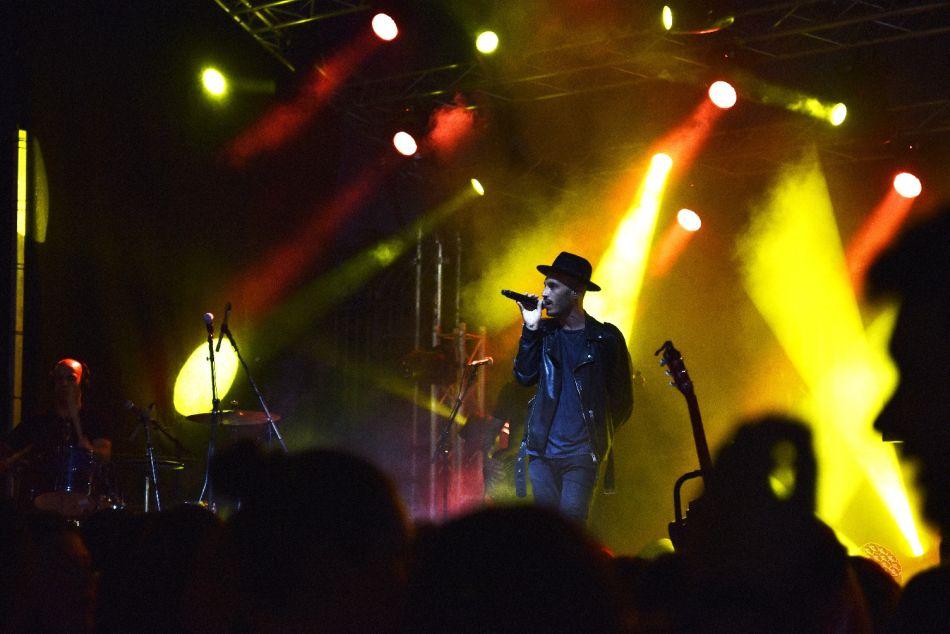 נתן גושן בהופעה בכנס מתגייסים בחולון, צילום-עיריית חולון (6)