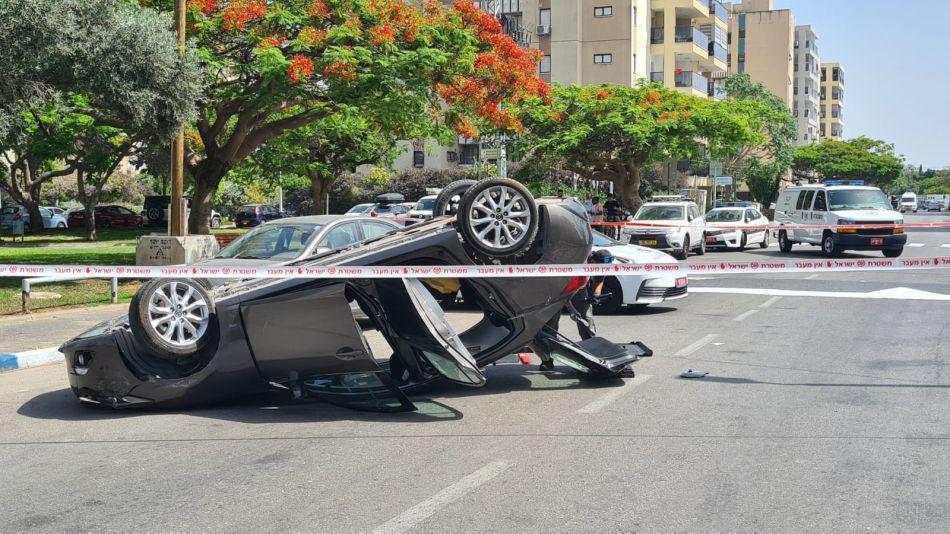 תאונה רכב הפוך צילום דוברות משטרת ישראל
