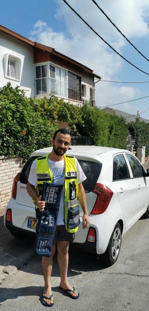 מור לוי בזירת החילוץ- צילום ידידים סיוע בדרכים
