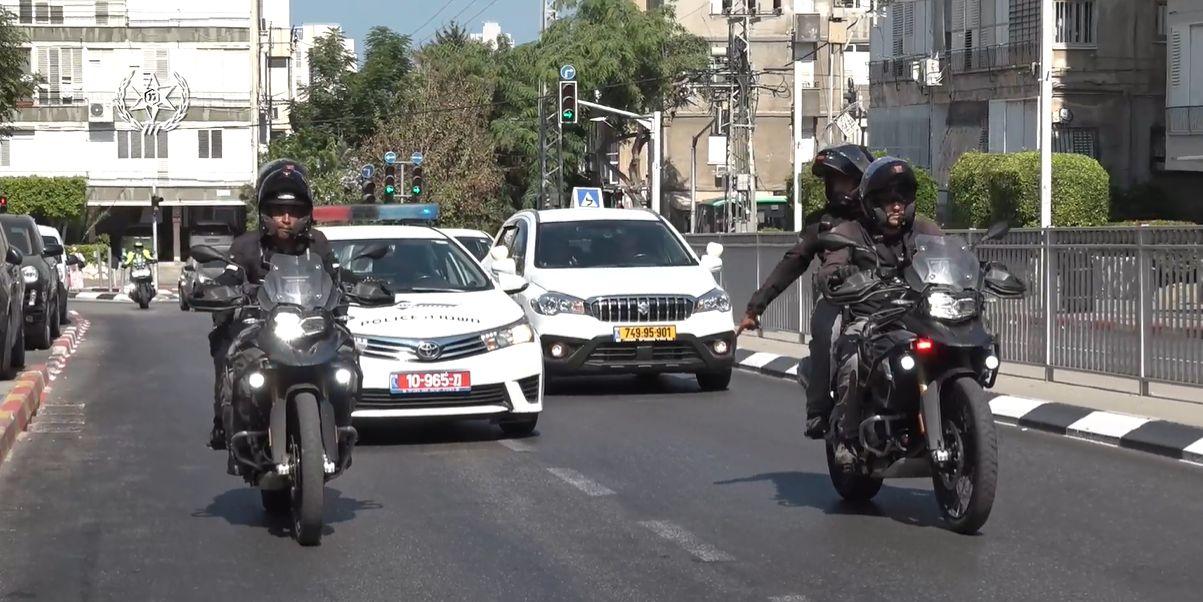 שוטרים ניידת אופנוע צילום דוברות משטרת ישראל