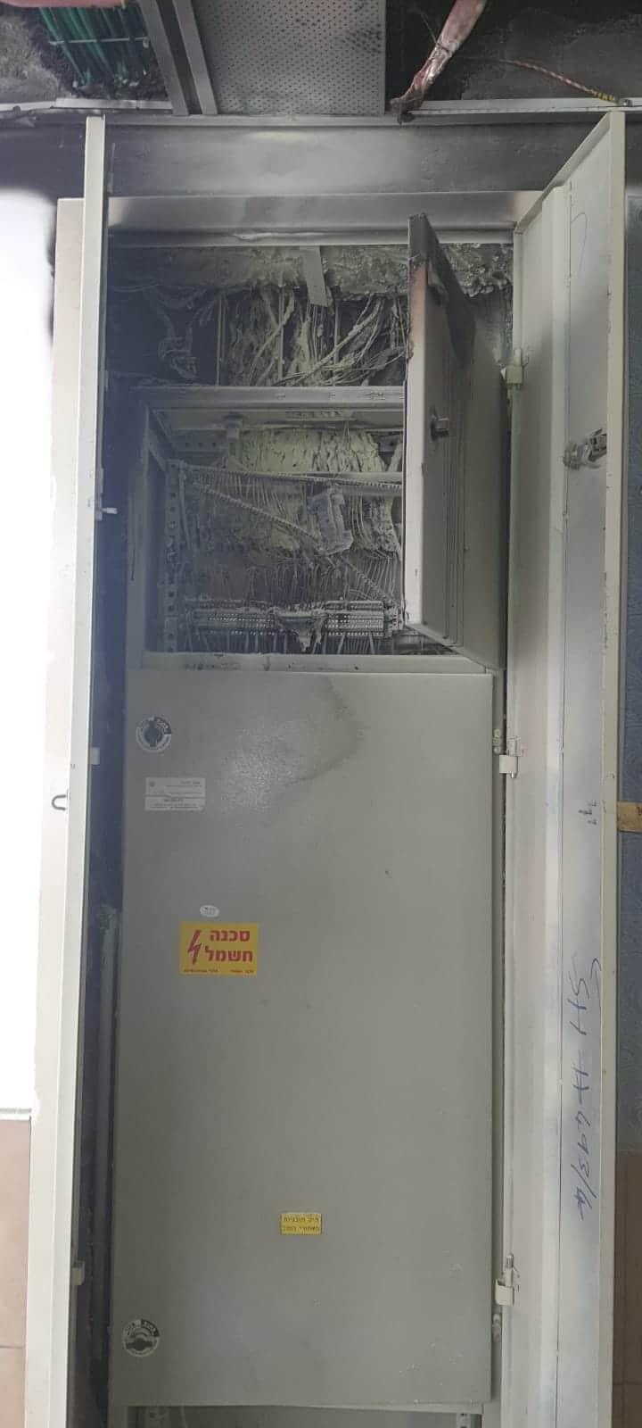 שריפה ארון חשמל צילום דוברות כבאות והצלה