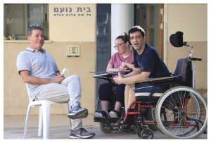 ישראל גל בבית נועם. צילום: איתן אלחדז ברק