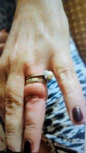 טבעת על אצבע צילום דוברות כבאות והצלה מחוז דן